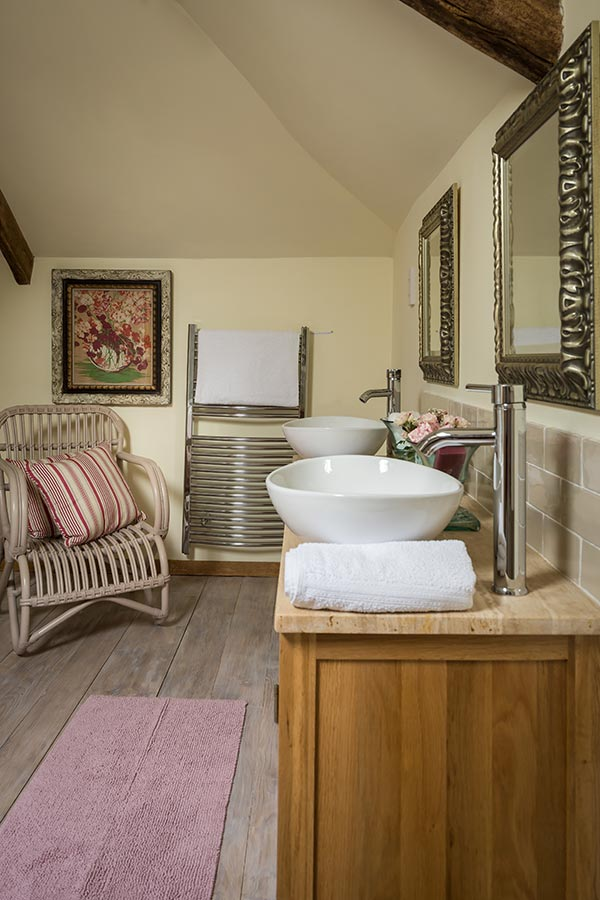 Swallow Barn Bathroom