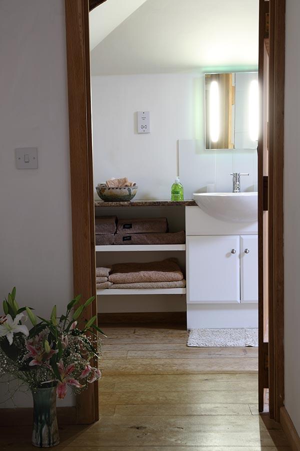 Swallow-Barn-Bathroom-5.jpg