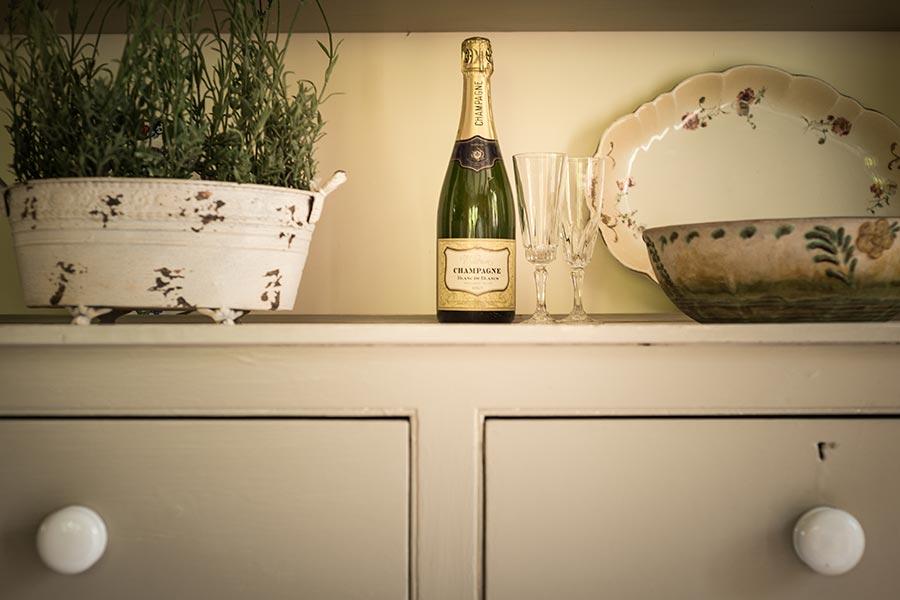 Swallow-Barn-Champagne.jpg